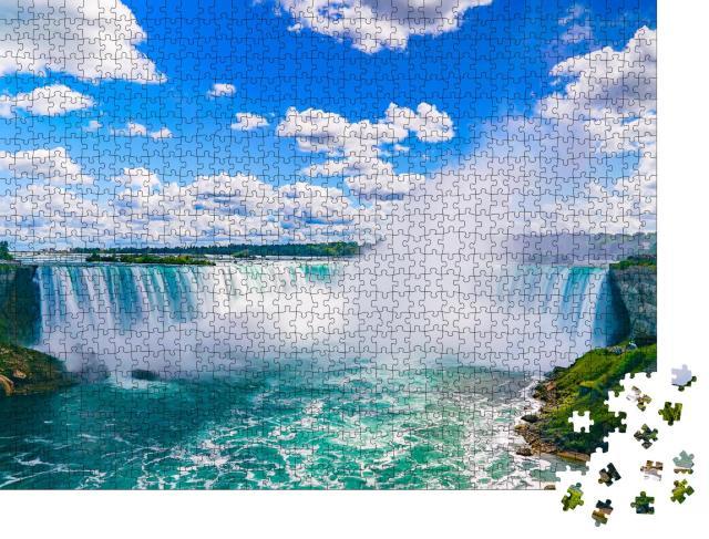 """Puzzle 1000 Teile """"Die beeindruckenden Niagarafälle sind für ihre Schönheit bekannt"""""""
