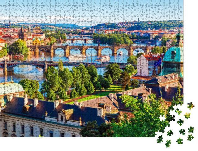 """Puzzle 1000 Teile """"Sonnenuntergang in Prag: Altstadt mit Karlsbrücke und Moldau"""""""
