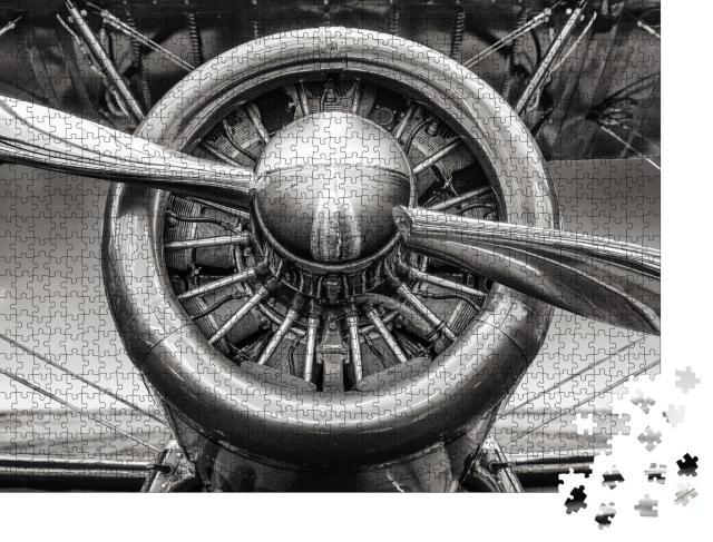 """Puzzle 1000 Teile """"Nahaufnahme des Sternmotors eines historischen Flugzeugs"""""""