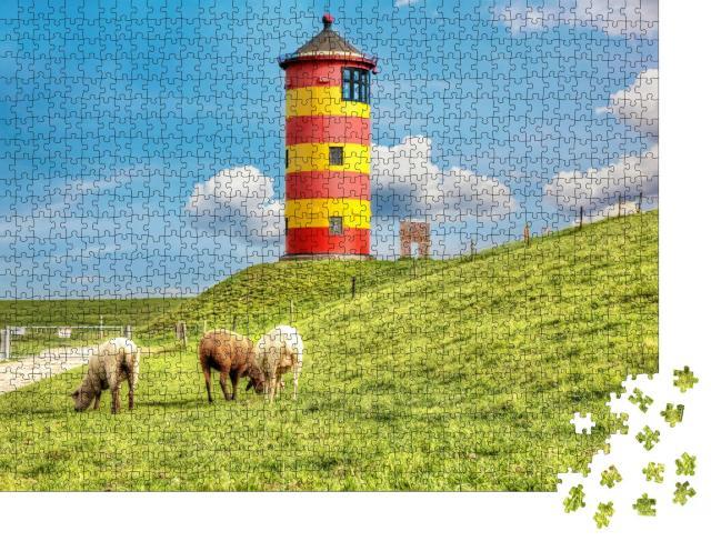 """Puzzle 1000 Teile """"Schafe vor dem Pilsumer Leuchtturm an der deutschen Nordseeküste"""""""