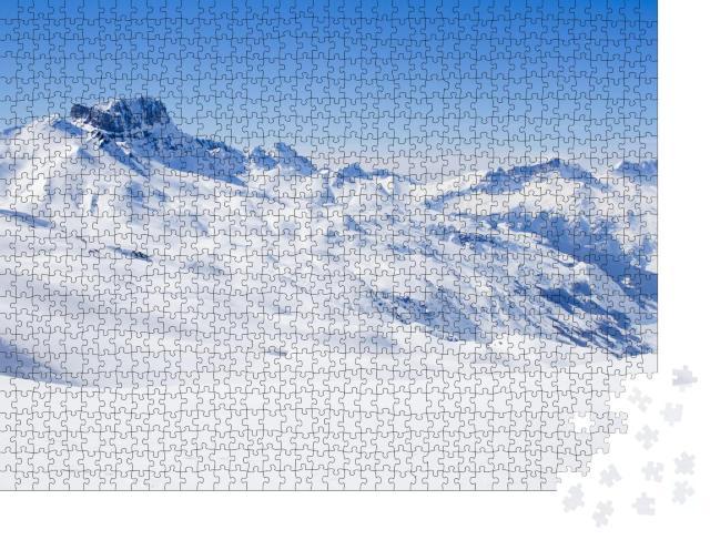 """Puzzle 1000 Teile """"Schneebedeckt: Acher Burgberg im Winter"""""""