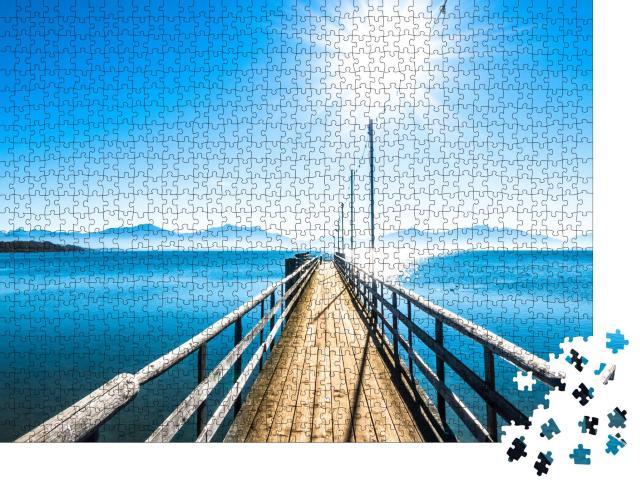"""Puzzle 1000 Teile """"Landschaft am Chiemsee, Blick auf die Berge, Bayern"""""""