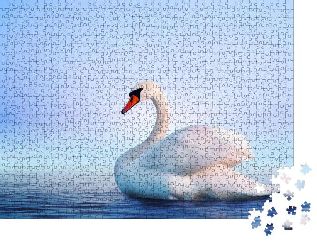 """Puzzle 1000 Teile """"Weißer Schwan in der nebligen Morgendämmerung"""""""