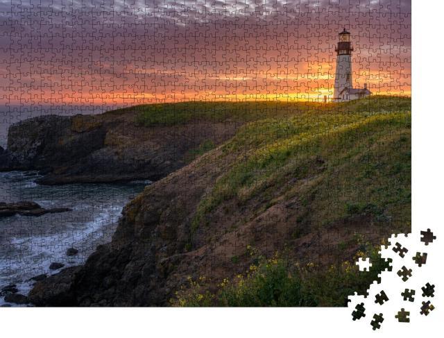 """Puzzle 1000 Teile """"Küste am Yaquina Head Lighthouse im schönen Sonnenuntergang"""""""