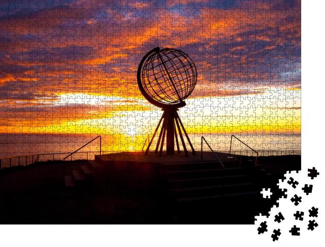 """Puzzle 1000 Teile """"Sonnenaufgang am Globus des Nordkaps"""""""