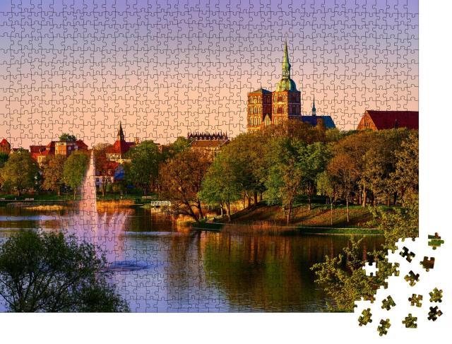 """Puzzle 1000 Teile """"Stralsund am Abend: Bild der Stadt"""""""