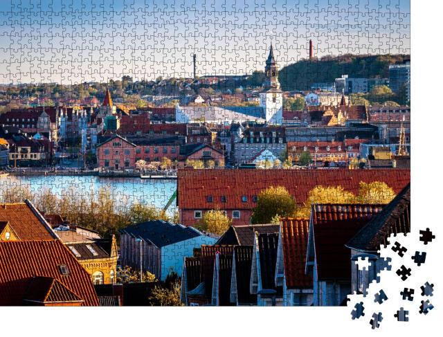"""Puzzle 1000 Teile """"Blick auf das Zentrum von Aalborg und die Uferpromenade von Nørre Sundby"""""""