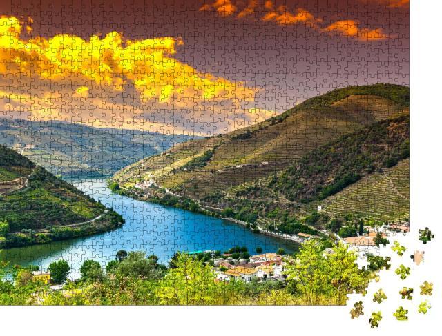 """Puzzle 1000 Teile """"Weinbau in den portugiesischen Dörfern der Duoro-Region"""""""
