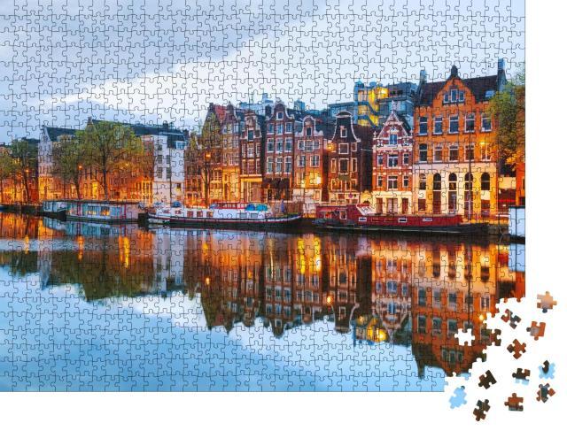 """Puzzle 1000 Teile """"Abendliche Stadtansicht von Amsterdam, Niederlande"""""""