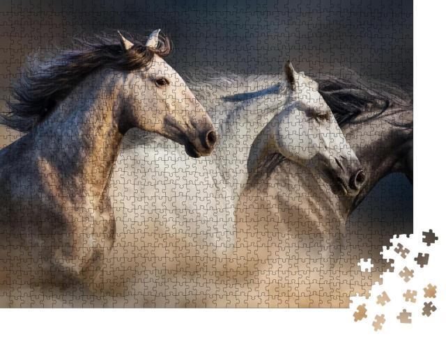 """Puzzle 1000 Teile """"Pferde beim Galopp durch den Wüstenstaub"""""""