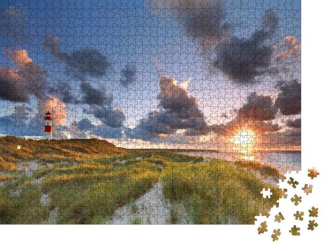 """Puzzle 1000 Teile """"Leuchtturm List auf der Nordseeinsel Sylt, Deutschland"""""""