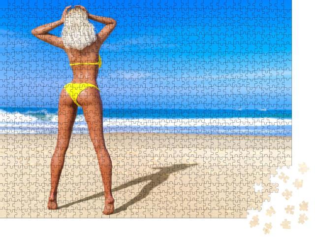 "Puzzle 1000 Teile ""Sexy Blondine im Bikini am Strand"""