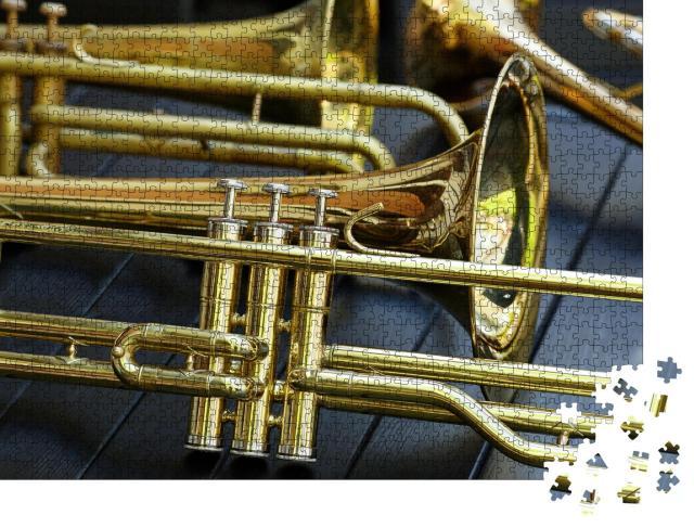 """Puzzle 1000 Teile """"Nahaufnahme einer Trompete"""""""