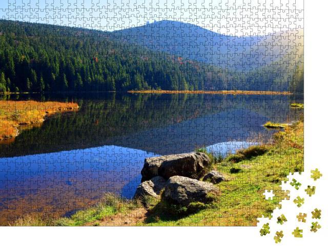 """Puzzle 1000 Teile """"Malerischer Kleiner Arbersee im Nationalpark Bayerischer Wald, Deutschland"""""""