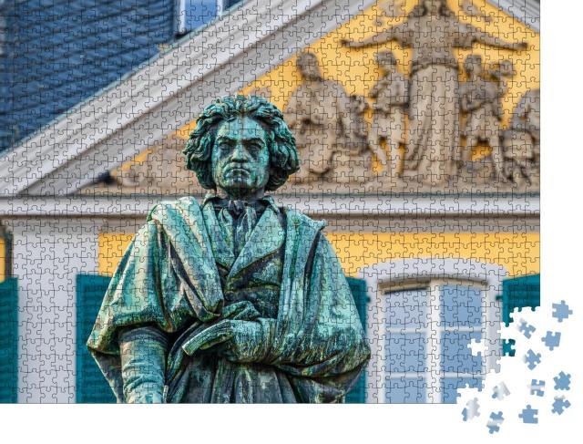 """Puzzle 1000 Teile """"Beethoven-Denkmal von Ernst Julius Hähnel, Bronzestatue"""""""