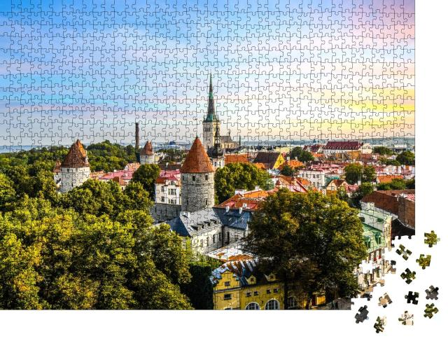 """Puzzle 1000 Teile """"Blick auf die mittelalterliche Stadt Tallinn in Estland"""""""