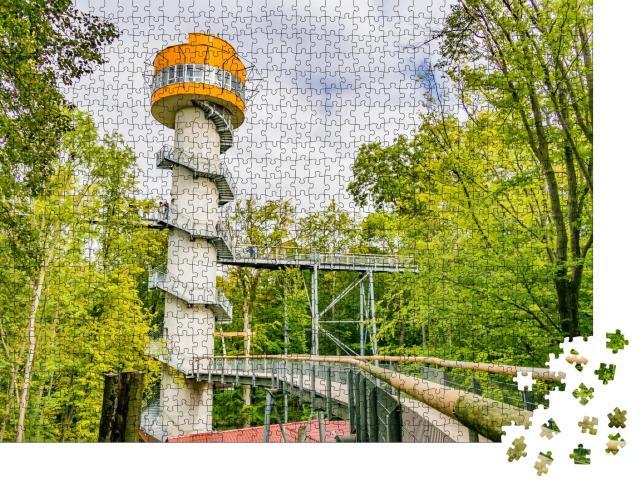 """Puzzle 1000 Teile """"Baumwipfelpfad in den Buchenwäldern des Nationalparks Hainich, Deutschland"""""""