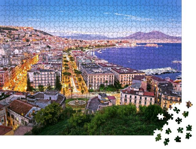 """Puzzle 1000 Teile """"Panoramablick auf Neapel bei Nacht, Kampanien, Italien"""""""