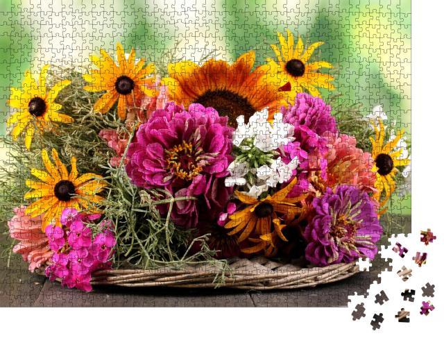 """Puzzle 1000 Teile """" Bouquet von hellen Blumen auf Holztisch"""""""