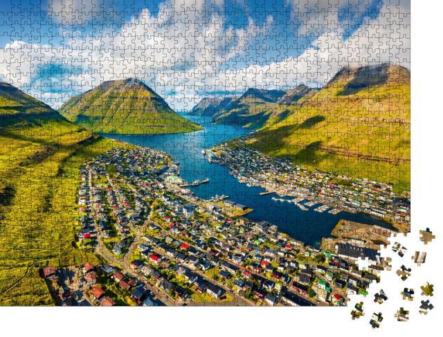 """Puzzle 1000 Teile """"Luftbild von Borody an einem schönen Sommermorgen"""""""