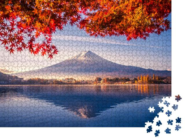 "Puzzle 1000 Teile ""Herbstmorgen am Berg Fuji mit roten Blättern am Kawaguchiko-See, Japan"""