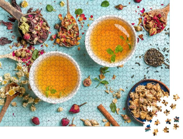 """Puzzle 1000 Teile """"Zwei Tassen frischer Tee aus getrockneten Kräutern"""""""