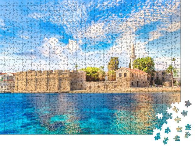 """Puzzle 1000 Teile """"Schöne Aussicht auf die Burg von Larnaca, Insel Zypern"""""""