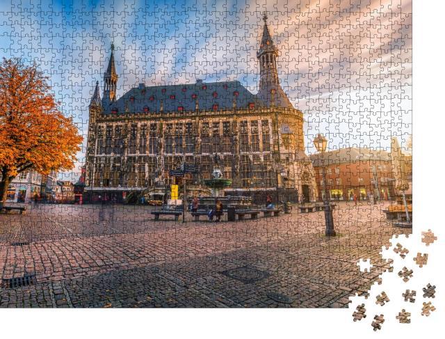 """Puzzle 1000 Teile """"Aachener Rathaus im Herbst, Deutschland"""""""