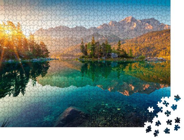 """Puzzle 1000 Teile """"Beeindruckender Sommer-Sonnenaufgang am Eibsee mit Zugspitze"""""""
