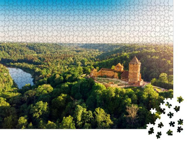 """Puzzle 1000 Teile """"Blick aus der Luft auf die Burg Turaida und den Fluss Gauja, Lettland"""""""