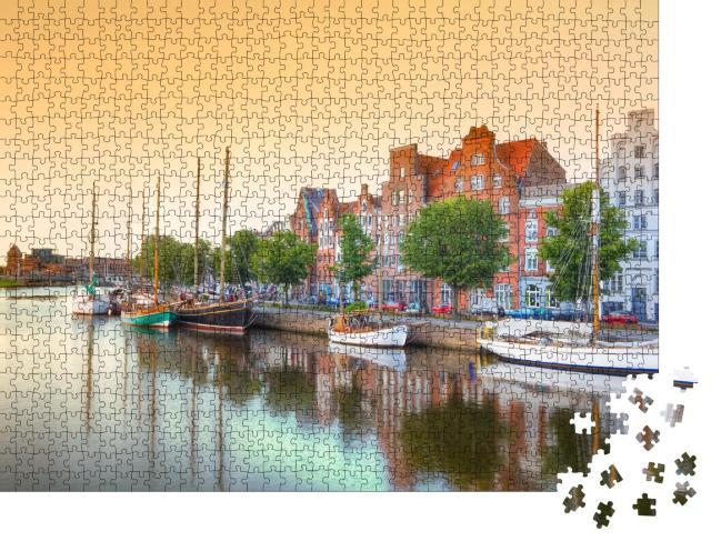 """Puzzle 1000 Teile """"Lübeck an der Trave, Deutschland"""""""