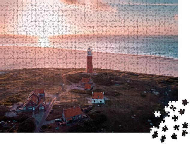 """Puzzle 1000 Teile """"Texel: Luftaufnahme von einem Leuchtturm, Niederlande"""""""