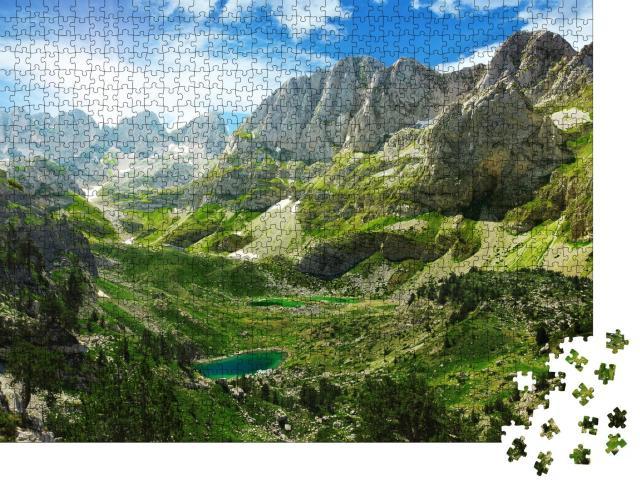 """Puzzle 1000 Teile """"Erstaunliche Aussicht auf Bergseen in den albanischen Alpen"""""""