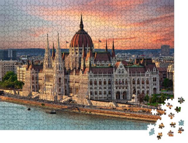 """Puzzle 1000 Teile """"Schönes Gebäude des Parlaments in Budapest, beliebtes Reiseziel"""""""
