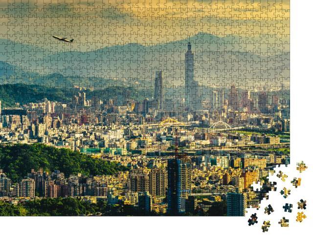 """Puzzle 1000 Teile """"Sonnenuntergangspanorama von Taipei, der Hauptstadt Taiwans"""""""