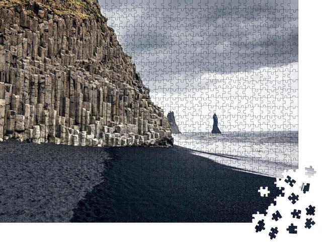 """Puzzle 1000 Teile """"Der schwarze Sandstrand von Reynisfjara und der Berg Reynisfjall, Island"""""""