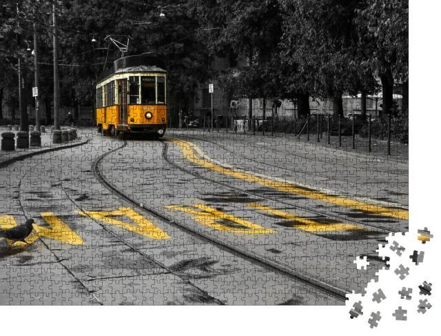 """Puzzle 1000 Teile """" Gelbe Straßenbahn in Mailand, Italien, die durch das Stadtzentrum fährt"""""""