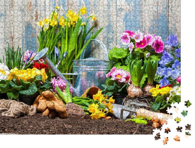 """Puzzle 1000 Teile """"Gartengeräte und Blumen im Garten"""""""