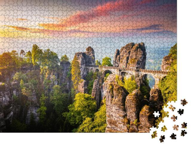 """Puzzle 1000 Teile """"Elbsandsteingebirge im Abendlicht mit Basteibrücke"""""""