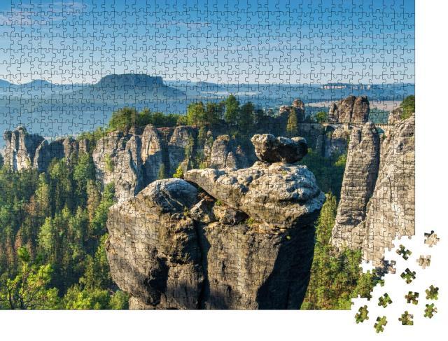 """Puzzle 1000 Teile """"Basteibrücke und Felsformationen im Elbtal, Nationalpark Sächsische Schweiz"""""""