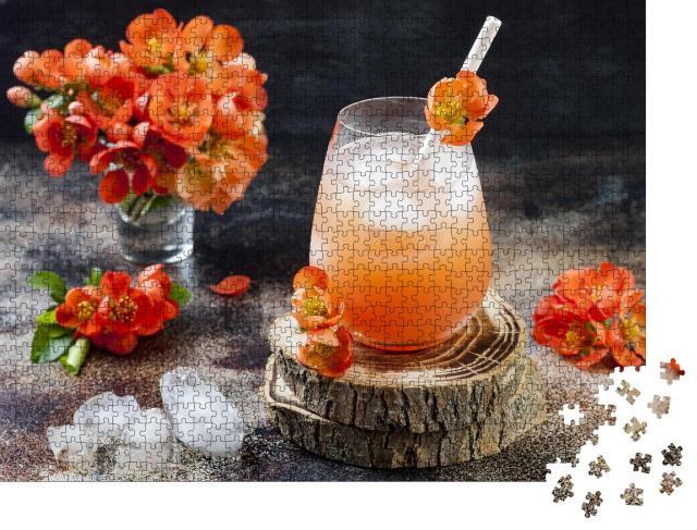 """Puzzle 1000 Teile """"Pfirsich-Cocktail, garniert mit Quittenblüten"""""""