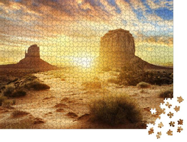 """Puzzle 1000 Teile """"Sonnenuntergang im Monument Valley, USA"""""""
