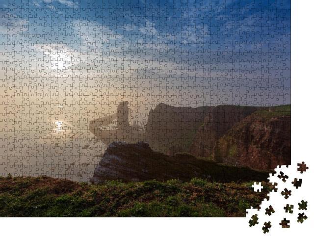 """Puzzle 1000 Teile """"Lange Anna auf Helgoland im Morgennebel"""""""
