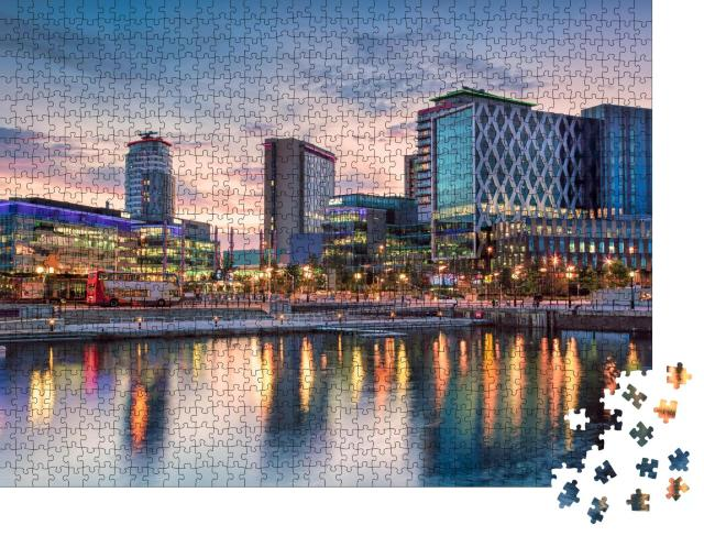 """Puzzle 1000 Teile """"Media City an den Salford Quays, Manchester"""""""