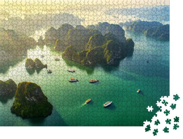 """Puzzle 1000 Teile """"Schwimmendes Fischerdorf in der Halong-Bucht, Vietnam, UNESCO-Weltkulturerbe"""""""