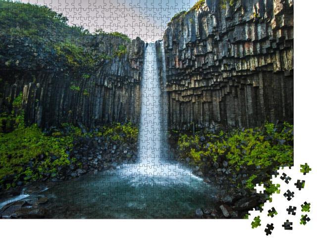 """Puzzle 1000 Teile """"Svartifoss im Skaftafell-Nationalpark, Schwarzer Wasserfall, Island"""""""