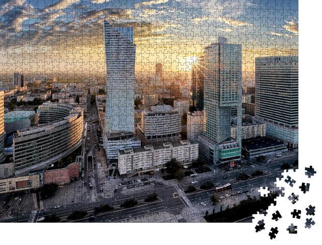 """Puzzle 1000 Teile """"Sonnenaufgang über den Wolkenkratzern von Warschau, Polen"""""""