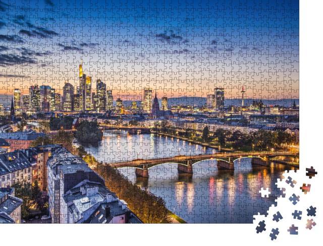 """Puzzle 1000 Teile """"Abendliche Stimmung über Frankfurt am Main, Deutschland"""""""