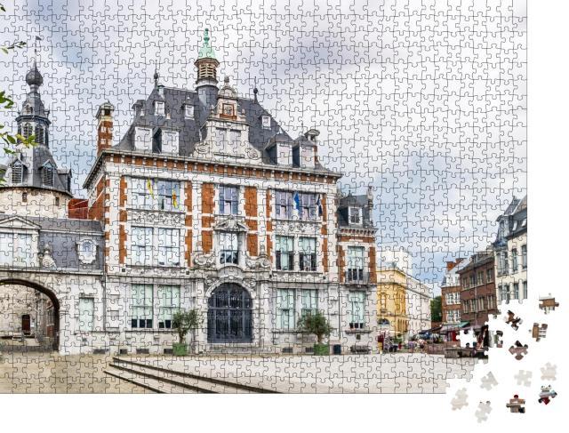 """Puzzle 1000 Teile """"Blick auf das stilvolle Kongressgebäude, Namur, Belgien"""""""