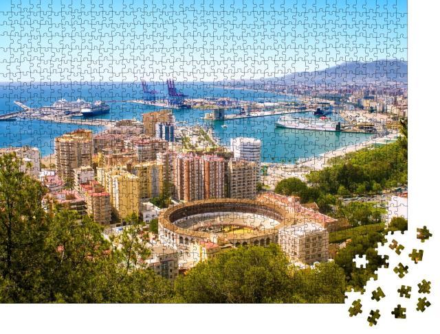 """Puzzle 1000 Teile """"Málaga mit Stierkampfarena und Hafen. Spanien"""""""